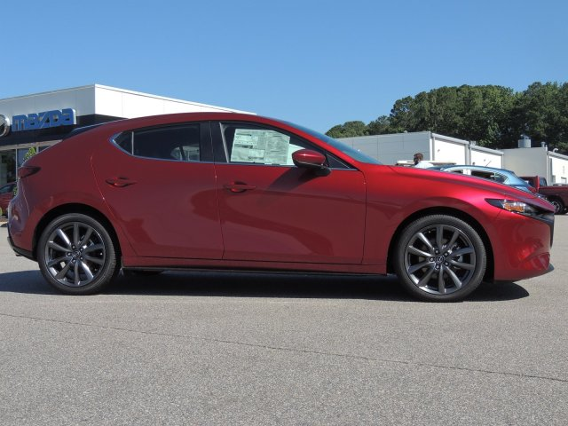 New 2019 Mazda3 Hatchback w/Preferred Pkg