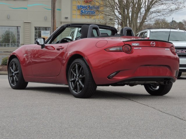Certified Pre-Owned 2017 Mazda MX-5 Miata Club